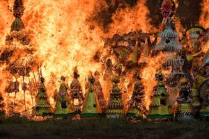Golden Mountain for the deaths: the merit making in the ninth Chinese Lunar month